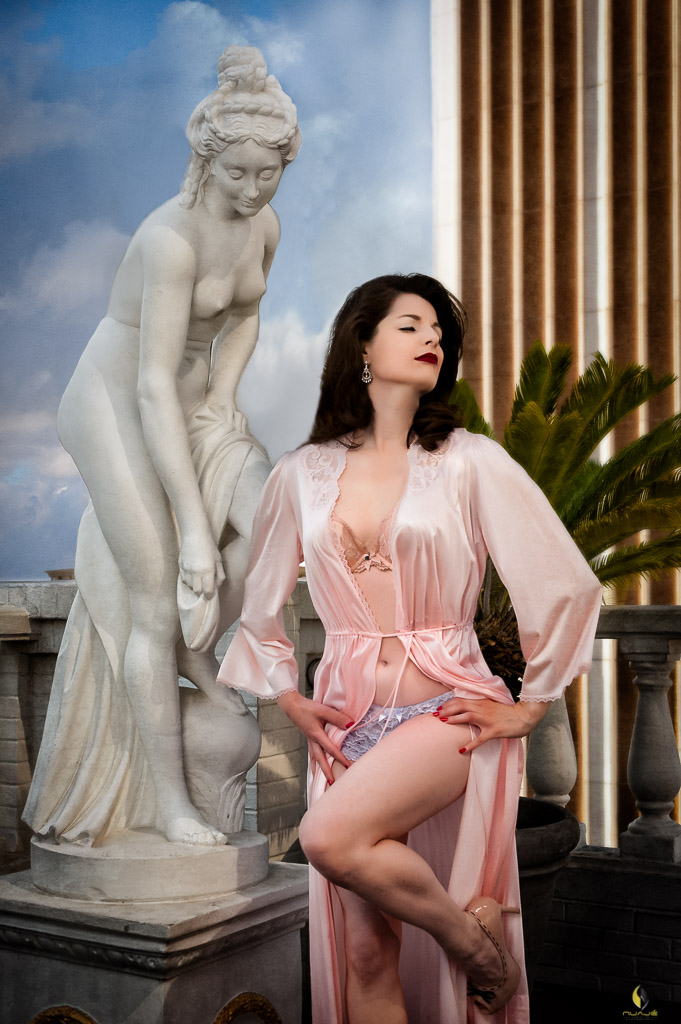 Boudoir Photography for the Sophisticated Woman